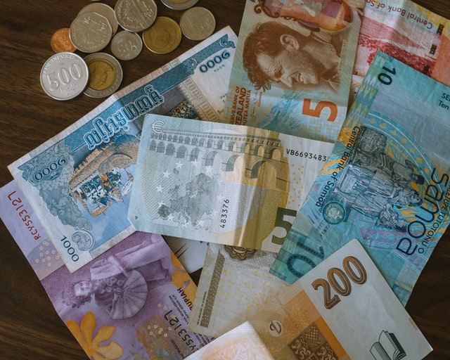 banknotes-and-coins